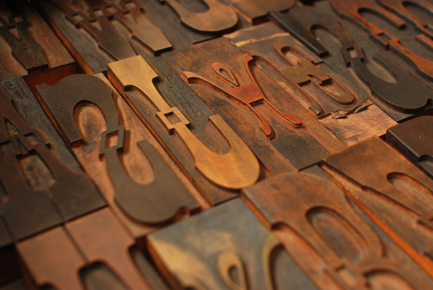 Chromatic Wood Type in a Box